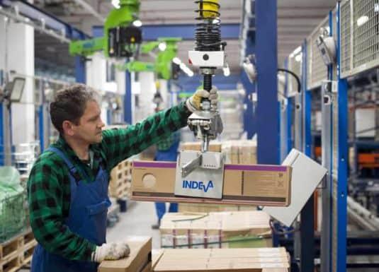 Manutention de cartons – prise mécanique
