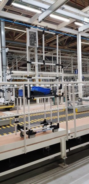 Lean MAnufacturing Automotive Industry work station trolley