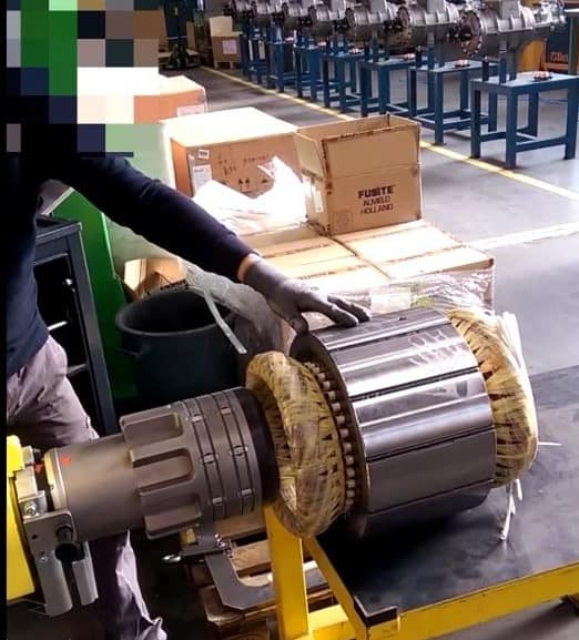 positionin a rotor into a stator housing with unmatched accuracy with an INDEVA manipulator